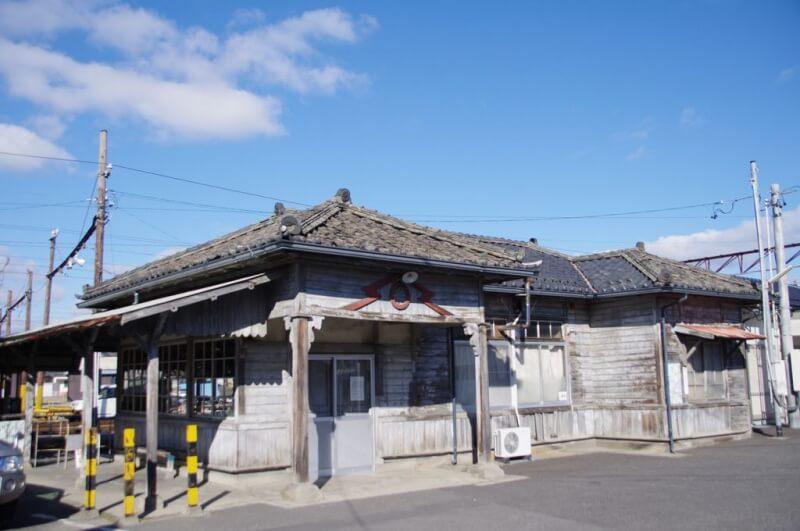 築96年の駅舎ついに解体へ 「新村旧駅舎」一般公開!