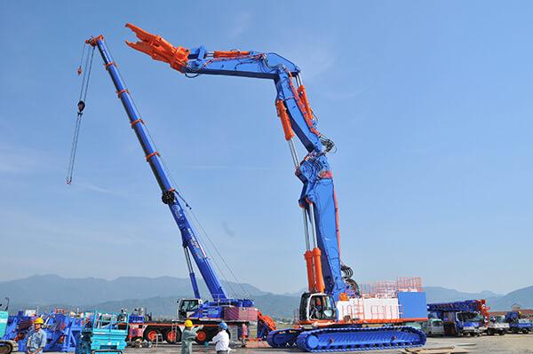 世界最大の解体重機 【 オオノ開発 KOBELCO SK3500D 】